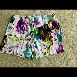 NWOT Tropical print shorts by Worthington